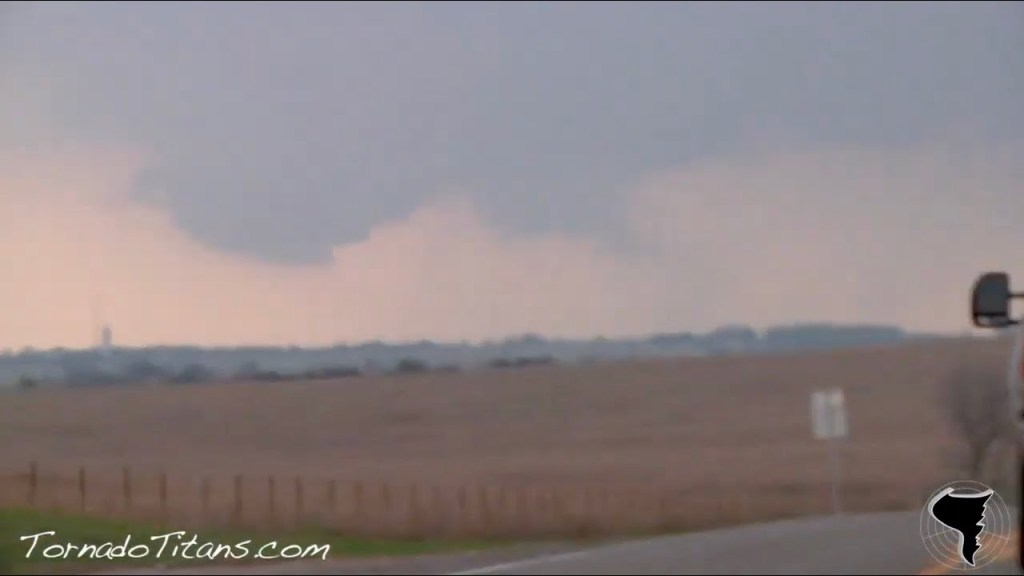April 14, 2011 Storm Chase | Initial Supercell Development in SC Oklahoma