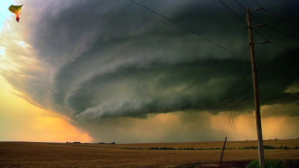 Tornado Titans – Capturing Incredible