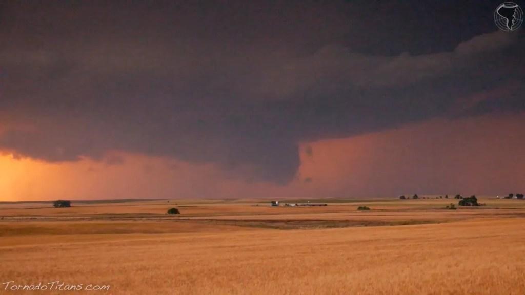 June 1, 2014 Storm Chase | Beautiful Storms Along the OK/KS Border