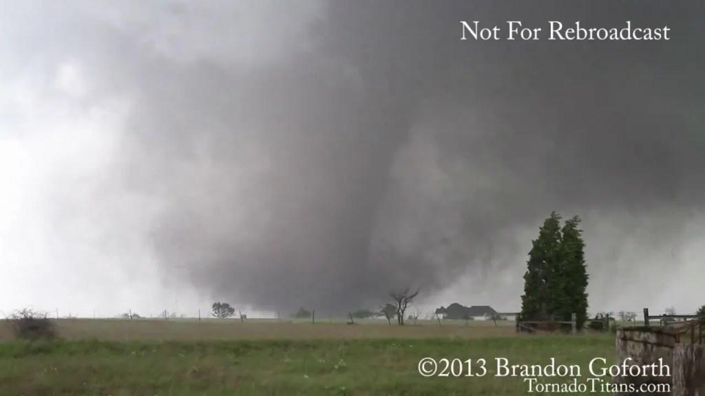 May 20, 2013 Storm Chase – Moore, Oklahoma EF5 Tornado