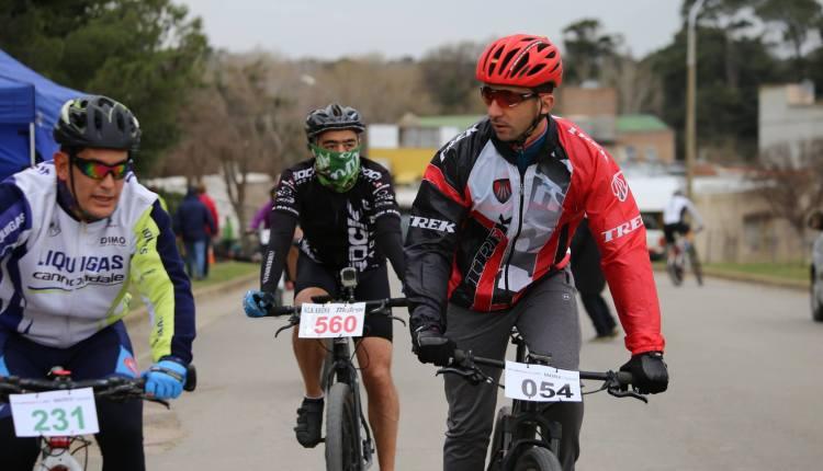 Sierra de la Ventana – Una multitud participó del encuentro de cicloturismo y del Sierra Rally Bike