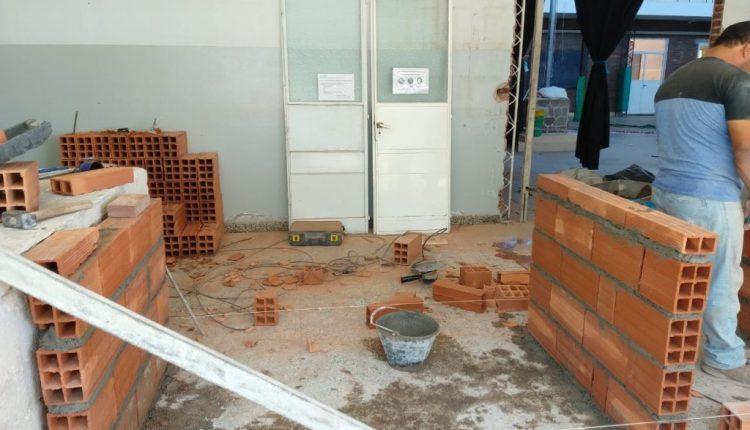 Durante el receso escolar continuaron las tareas de mejoras de infraestructura de edificios educativos