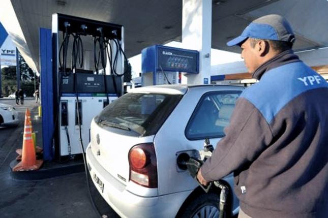 A partir de este Jueves, los combustibles tendrán una nueva suba, esta vez en el orden del 2 %