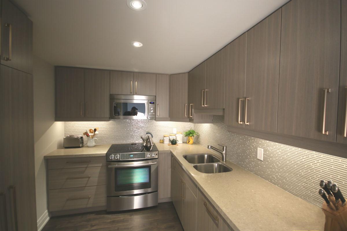 Toronto Contemporary Kitchen Toronto Custom Concepts Kitchens Bathrooms Wall Units