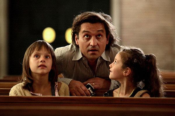 Still from Le père de mes enfants (The Father of My Children)