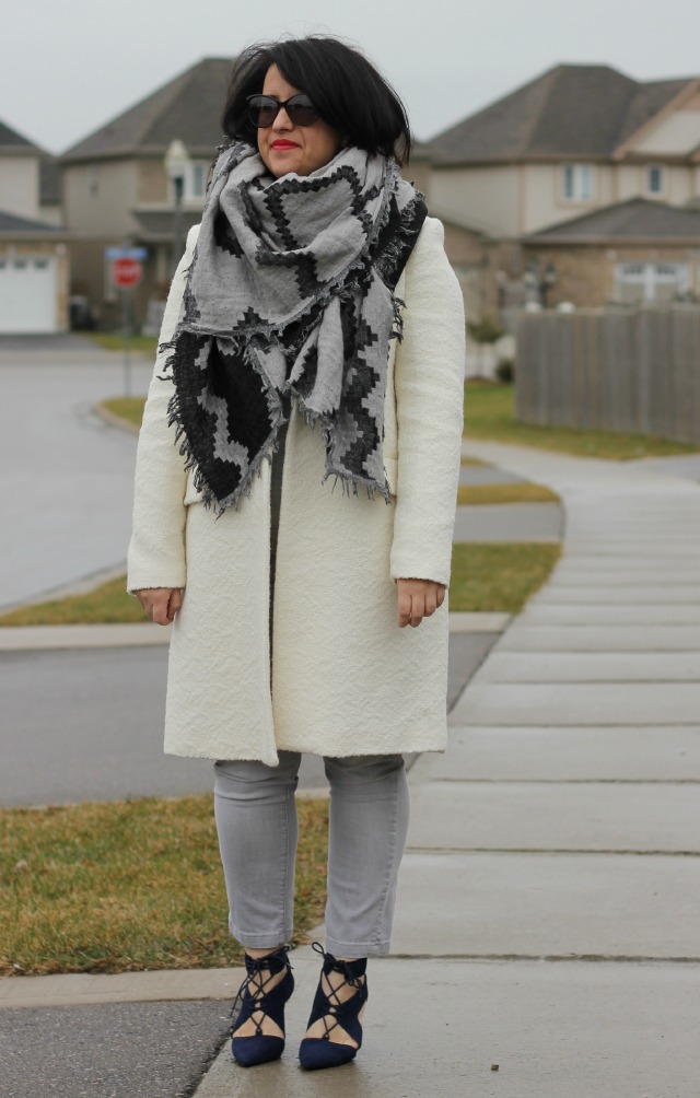 how to wear a blanket scarf aritzia