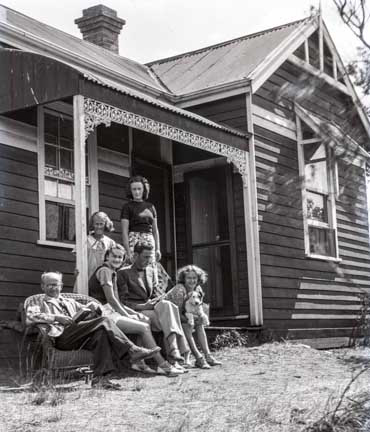 Evans family at house - Happy Days