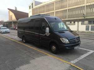 microbuz de închiriere de autobuz pentru escursion de madris