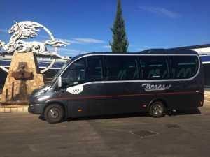 mini autocar vip 16 plazas en madrid para boda