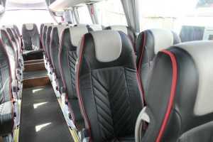 Noleggio di minibus con comodi posti a sedere per lunghi viaggi