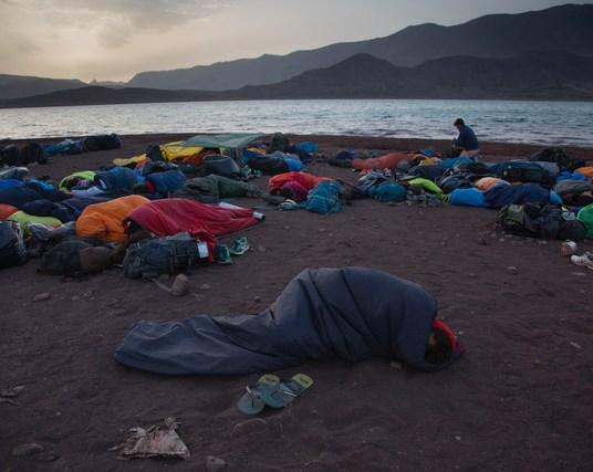 España Rumbo al Sur 2017. Amanecer en el lago Isli, en Imichil. (Photo: Jose L. Cuesta).
