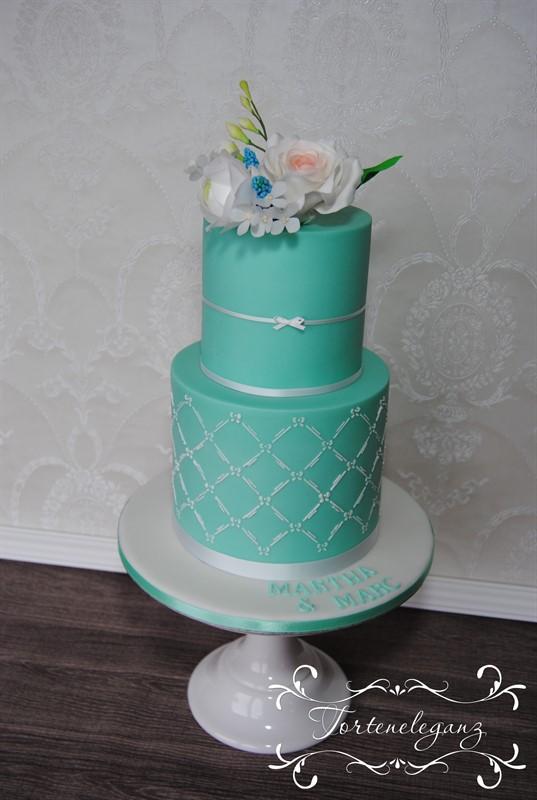 Hochzeitstorte Mint mit Stencil und CakePops Torte