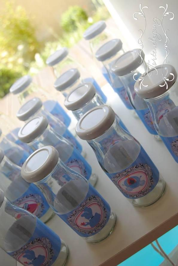 Cinderella Kindergeburtstag 3D Torte Candy und Deko Candy Table Milchflaschen anstatt Becher