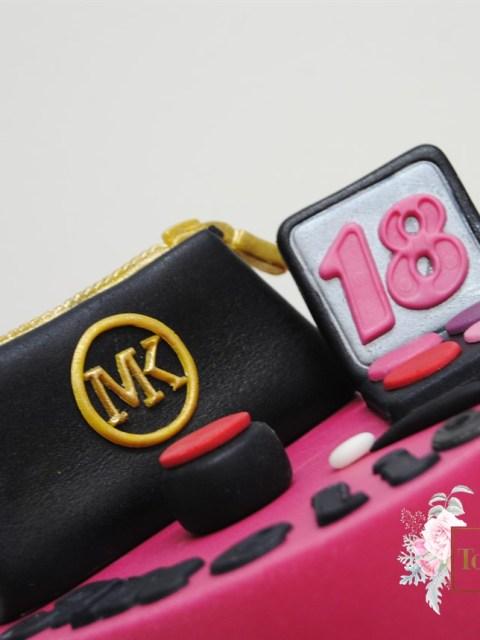 Endlich Volljährig zum 18 Geburtstag Schmink Torte Michael Kors Tasche Quer
