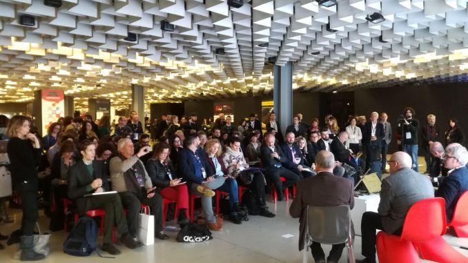 Il pubblico di BTO | 10 che assiste alla presentazione dell'indagine sul sentiment degli operatori turistici