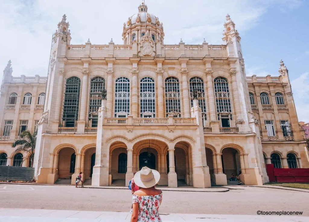 Beautiful building of the Museum of the Revolution - So you got 3 days in Havana? Make the most of it! Visit the UNESCO Heritage Site of Old Havana, learn about the revolution era, explore the Spanish quarters, wander along the waterfront and drink some daiquiris! Plan your perfect Havana Itinerary right here