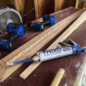 Thixo 2:1 Epoxy Adhesive System in use -01