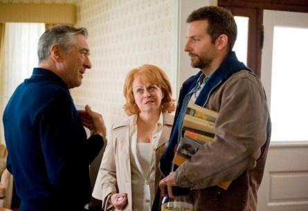 Robert De Niro, Jacki Weaver a Bradley Cooper v Terapii láskou (foto: Film Forum CZ )