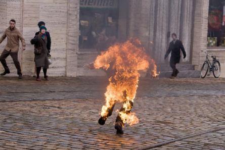 Záběry z minisérie HOŘÍCÍ KEŘ (foto: HBO)