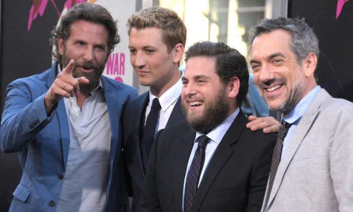 Bradley Cooper, Miles Teller, Jonah Hill a režisér Todd Phillips na premiéře v New Yorku