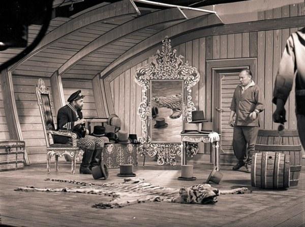 Karel Zeman při natáčení Vynálezu zkázy