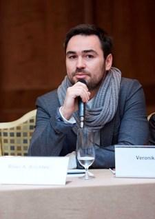 Tisková konference - První republika - režisér Biser A. Arichtev