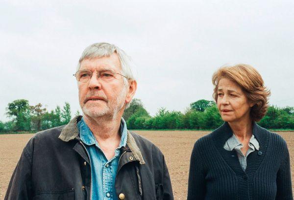 Tom Courtenay a Charlotte Rampling ve filmu 45 Years
