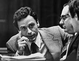 Ted Bundy, bello, romantico, affascinante e... assassino seriale