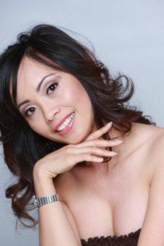 Gigi Headshot Photo