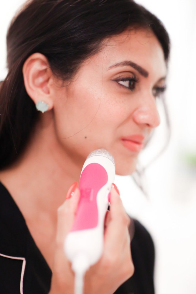 Women of all skin types will benefit from this at home microdermabrasion beauty tool.