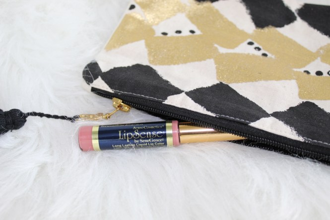 To Thine Own Style Be True   Debbie Savage   LipSense   The Best Kiss Proof Lipstick for Valentine's Day