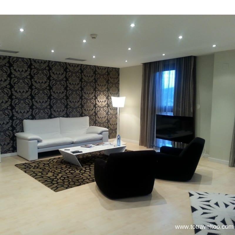 Hotel Gran Bilbao Suite Lounge Room