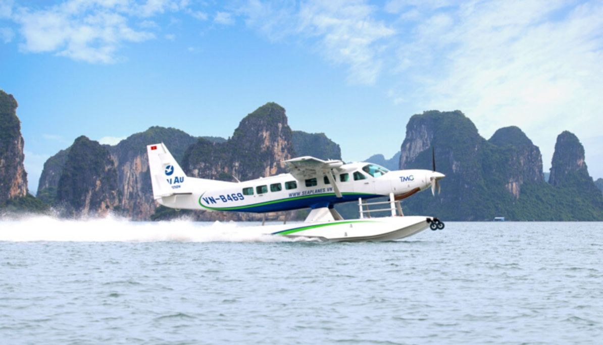 Seaplane Flight to Ha Long Bay