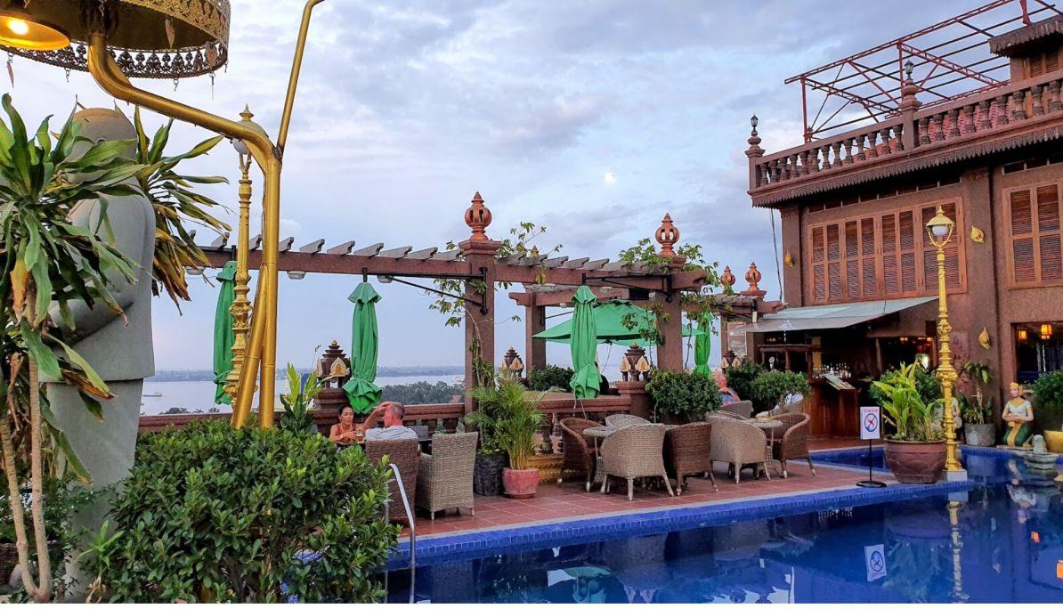 Happy Hour Okay Boutique Hotel Phnom Penh