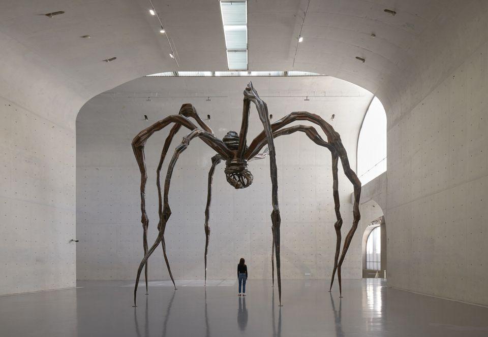 Maman (1999), emprestada da Tate ao Long Museum, em Xangai