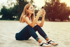 4 Amazing Examples of SMS Customer Experience on College Campuses