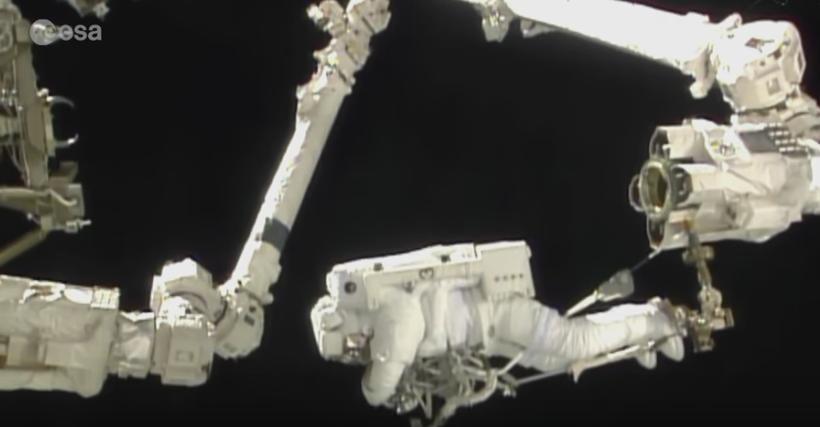 1ere sortie dans l'espace pour Thomas Pesquet