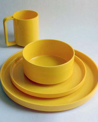 Hellerware dinner set by Massimo Vignelli
