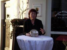 Inge Thommes-Burbach Besitzerin des Vulkanhofs