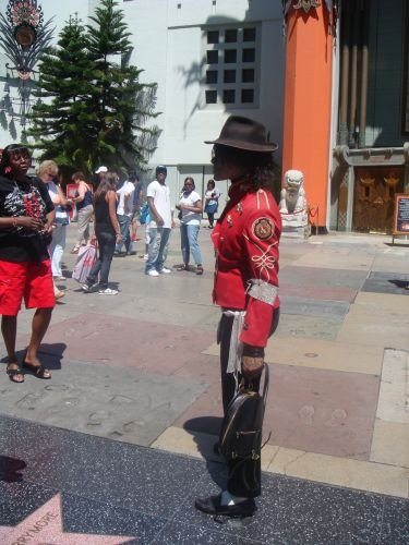 Michael Jackson Double auf dem Walk of Fame in Los Angeles