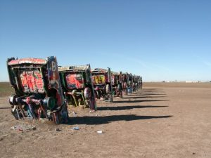Die Route 66 Cadillac Ranch in Amarillo, Texas.