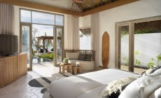 Fairmont_Maldives_Sirru_Fen_Fushi_Beach_Villa_Deluxe_Bedroom_ A_0003