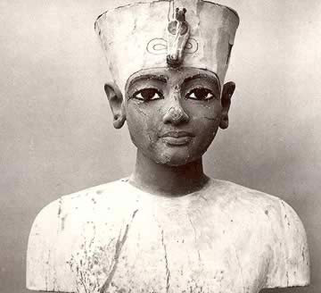 Ancient (thought to be contemporary) statue of King Tut