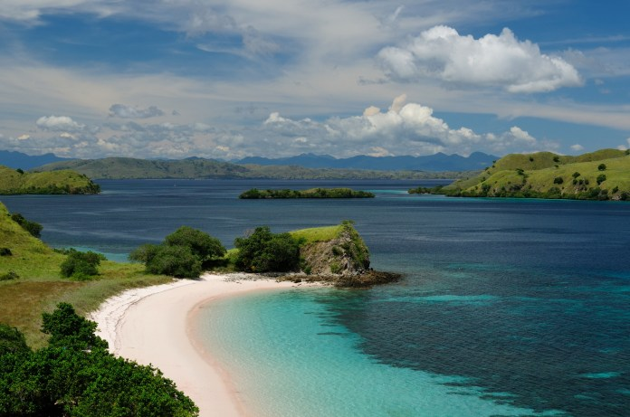 Komodo island Indonesia Tour, Diving, Adventure Packages ...