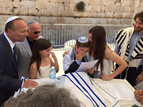 Touring Israel - Touching moments at the Western Wall, Jerusalem