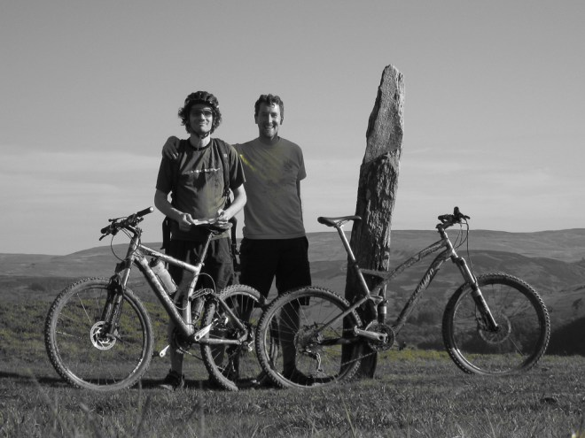 April 2009 XC riding in North Wales, UK with my good friend Justin. Where did my left arm go?