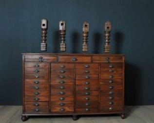 mobilier industriel ancien aux puces de