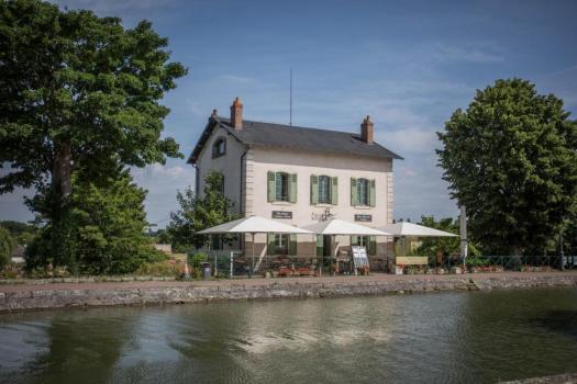 「chocolatier pont canal briare」的圖片搜尋結果