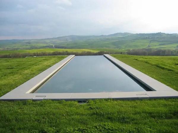 Infinity Pool Tourism on the Edge05