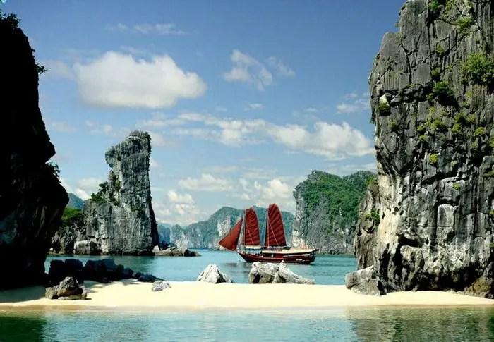 Halong bay, Vietnam (2)